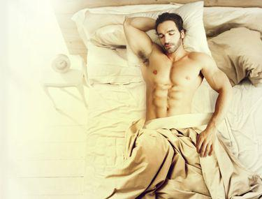bărbații au o erecție în fiecare dimineață