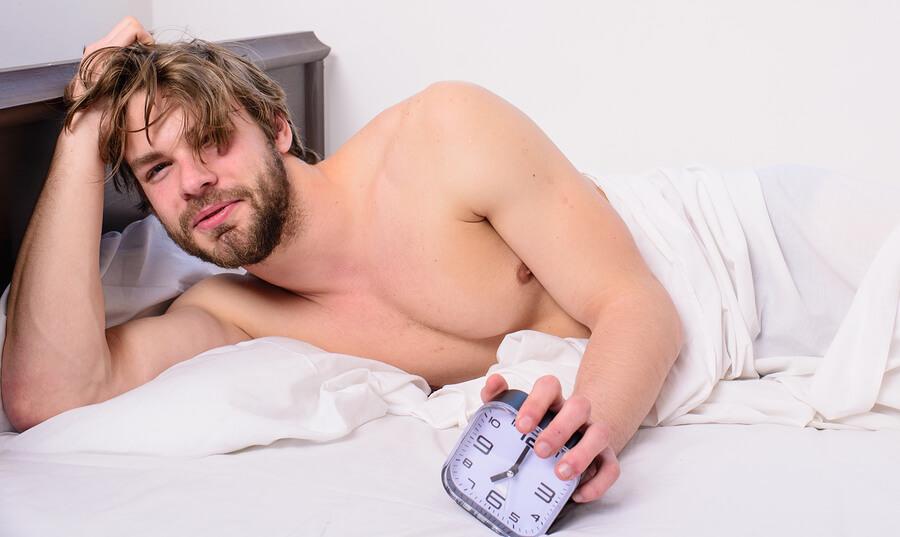 erecții matinale la bărbați)