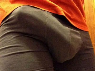 penisul când este erect este rotit spre stânga