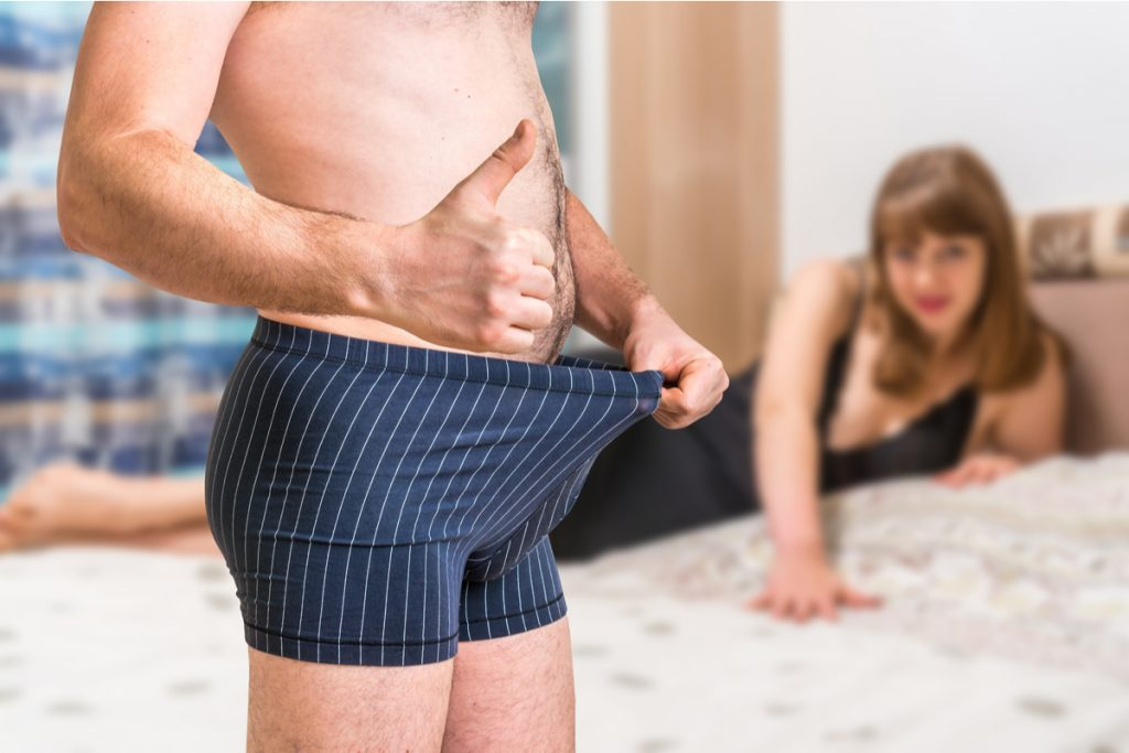 a luat penisul la bază)