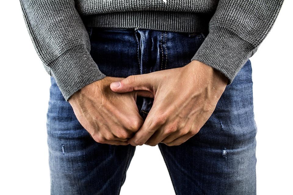 când penisul este în semicerc)