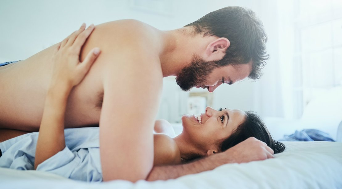 erecție bărbat în pat