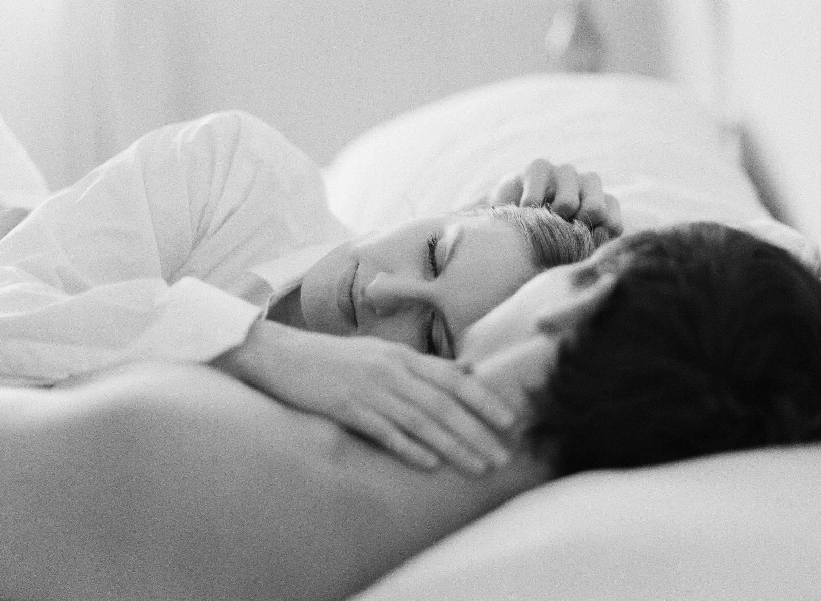 când dorm o erecție)