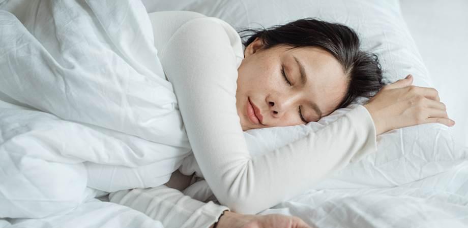 poate o persoană care doarme să aibă o erecție